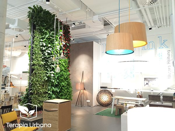 Jard n vertical interior en interior park store terapia for Jardin vertical interior
